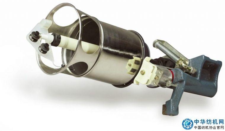 真丝倍捻锭子采用上支承为滚动轴承,下支承为滑动轴承结构,用张力球
