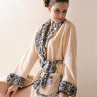 印花珊瑚绒浴袍